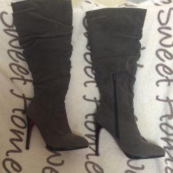 Dimesone boots