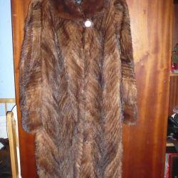 Fur tail mink,