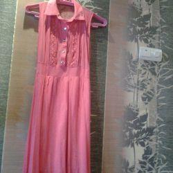 Rochie de sub genunchi, culoare luminată pe talie, soare de fund