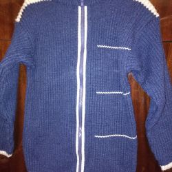 zippered jacket with woolen thread