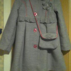 Пальто+сумочка для первокласницы.