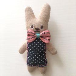 Brooch-hare, handmade