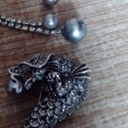 Brooch, earrings, ring
