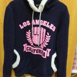 Women's sweatshirt.