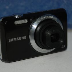 Samsung ES80 Digital Camera (12.2 MP)
