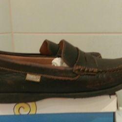 34 παπούτσια / μοκασίνες