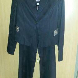 Pantaloni pentru femei / Costum clasic