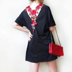 Φόρεμα T-shirt με διακόσμηση στην πλάτη
