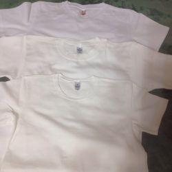 Tişörtler beyaz