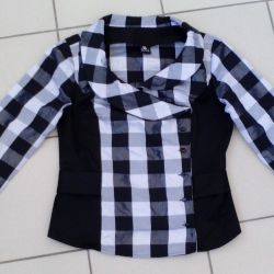 The jacket size is 48-50.