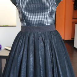 The skirt is a tutu. R.46 / 48