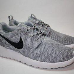 Fashionable women's sneakers Nike