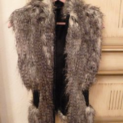 Grey și Black Faux Fur Vest