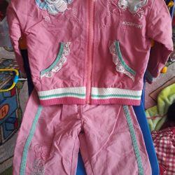 Спортивний костюм на дівчинку