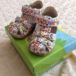 Kapika sandals