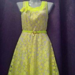 Платье 42 разм