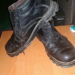 Кожаные ботинки на меху 42-43р