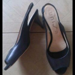 Sandale din piele p.38