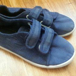 Spor ayakkabısı r 32
