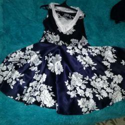 Платье очень красивое54размер