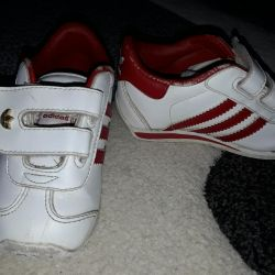 Sneakers f Adidas