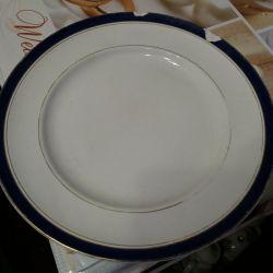 A large plate. Kuznetsov.