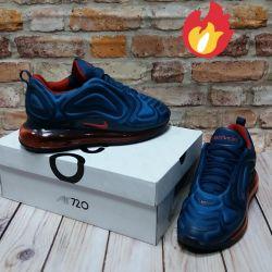 Nike AirMax 720 Sneakers