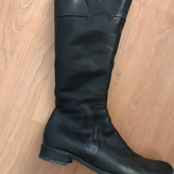 Winter boots in excellent condition