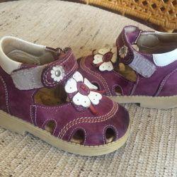 22 nolu kız ortopedik ayakkabı