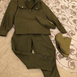 Çocuk askeri üniforması.