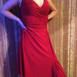 Orijinal kesimin yeni kırmızı elbisesi