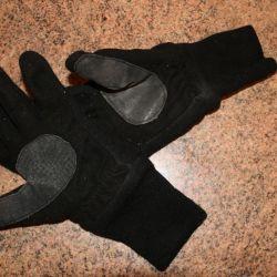 Тeплые чeрные перчатки