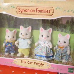 New Sylvanian Families Silk Cat Family