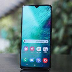 The new Samsung Galaxy A20 2019. Black ?