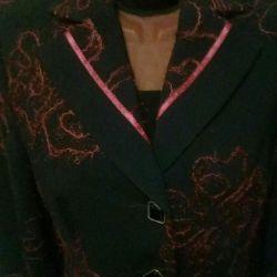 Пиджак расшитый