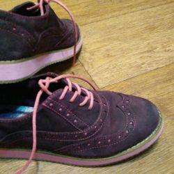 Pantofi la școală. piele - suede dimensiune 33-34