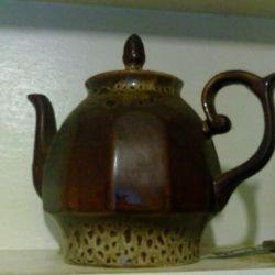 Большой керамический чайник,винтаж
