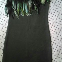 Dress with feathers. P 40