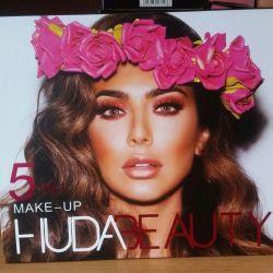 Set de cosmetice frumusete HUDA