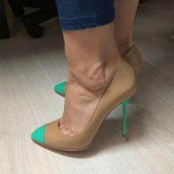 Yeni ayakkabılar Sergio Rossi, orijinal