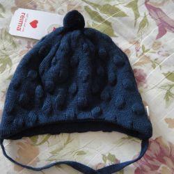 новая шапка reima 44/46