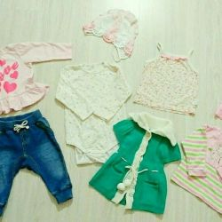 Clothes 1-6 months. at the girl
