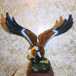 Eagle on stand (New)