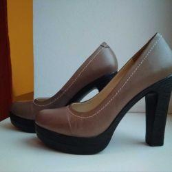 Sabit topuklu şık ayakkabısı 35 r
