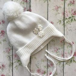 Demi-season hat for girls