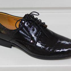 Νέα, δερμάτινα παπούτσια