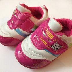 NEW Booties sneakers 0+