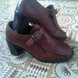 Women's shoes size 38
