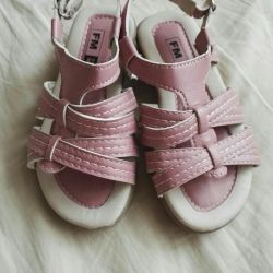Sandale r.24