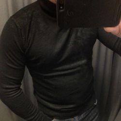 Polo-neck black wool 80%
